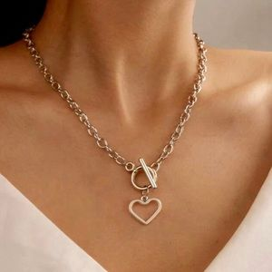 Silver chunky chain lock necklace
